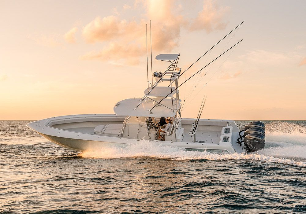 The Contender 44ST is a cutting-edge fishing machine that dispenses with frills.