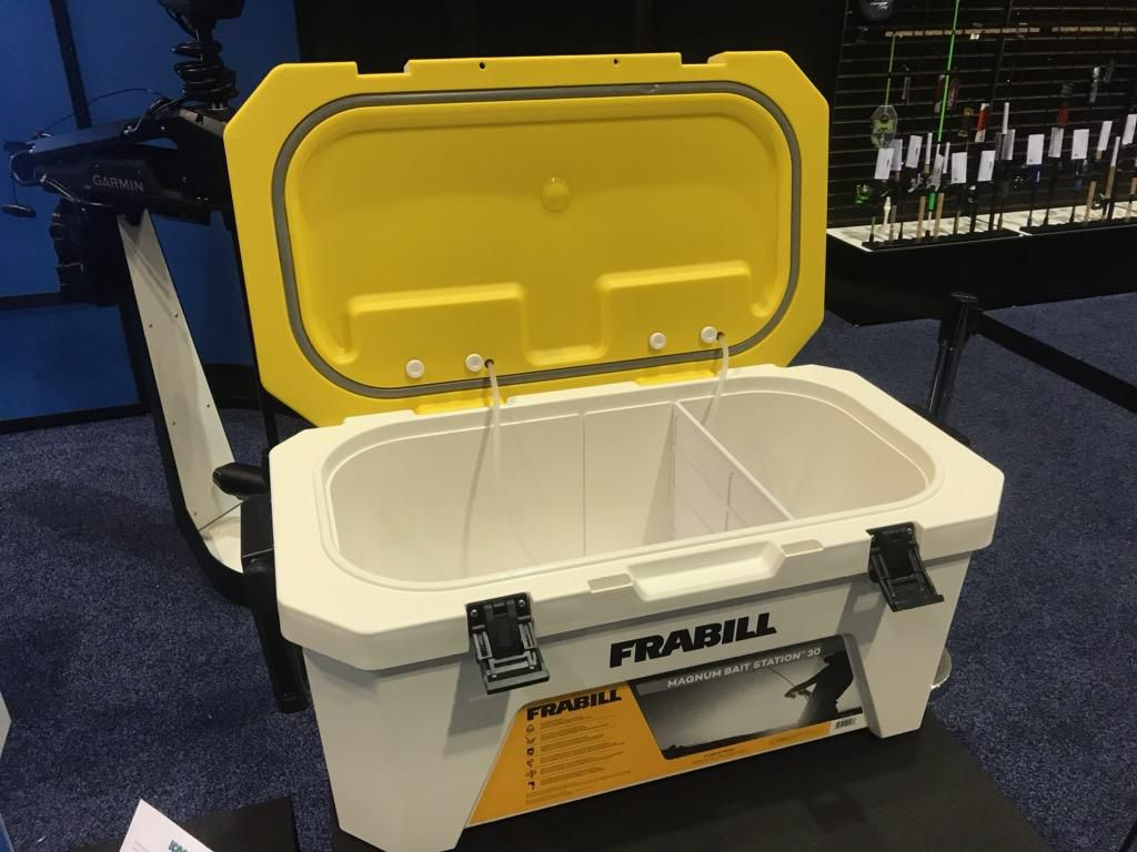The Frabill Magnum Bait Station 30 was designed for anglers who fish more and fish bigger. Able to aerate up to 30 quarts, it's a great way to keep large baits safe and active.