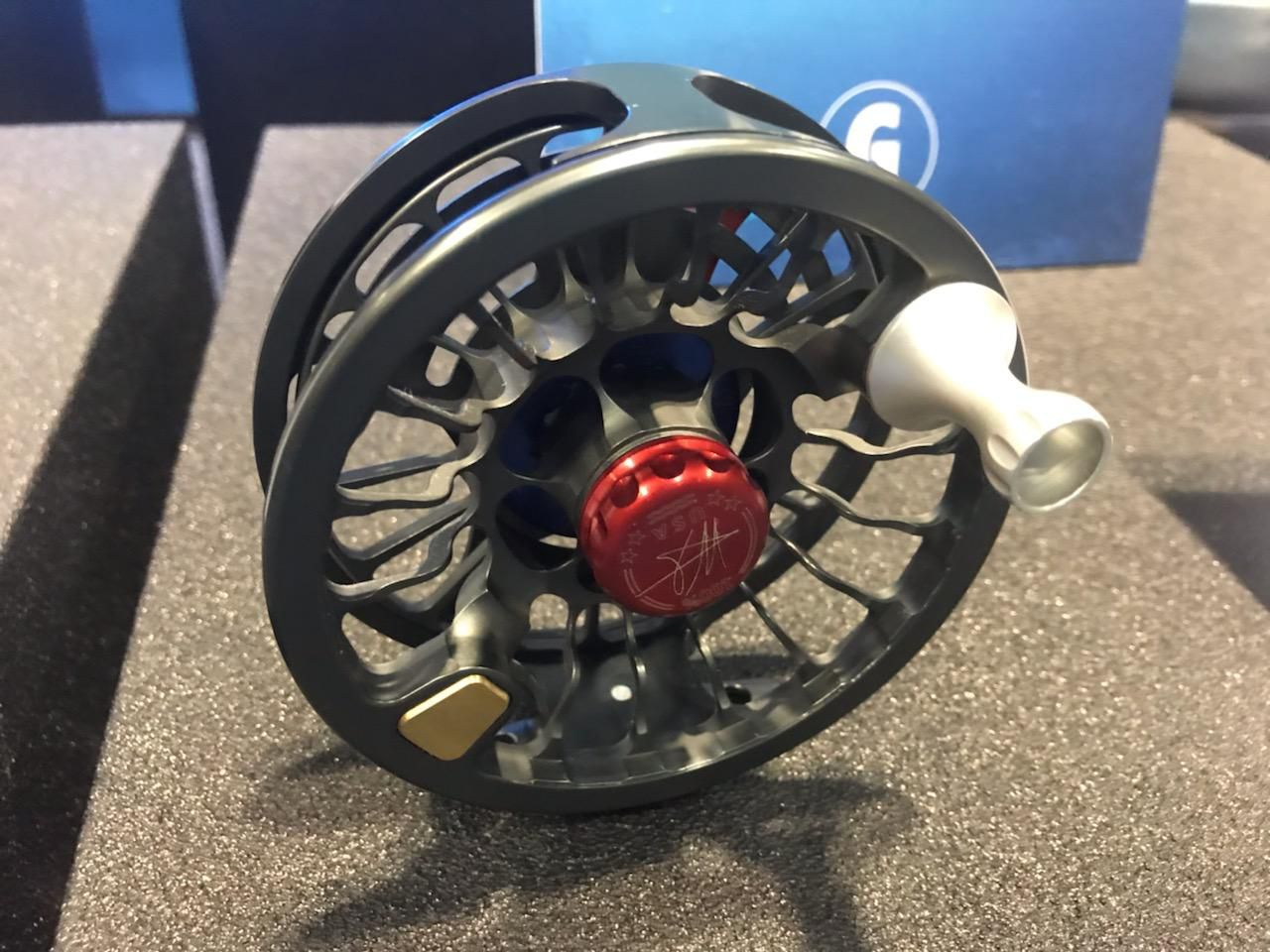 "SEiGLER's Lever Drag Fly Reel allows for ultimate control of your drag pressure. The dovetail foot creates the lowest height, strongest connection to rod. The 4"" diameter reel weighs just 7.2 oz and produces 18#'s of drag."