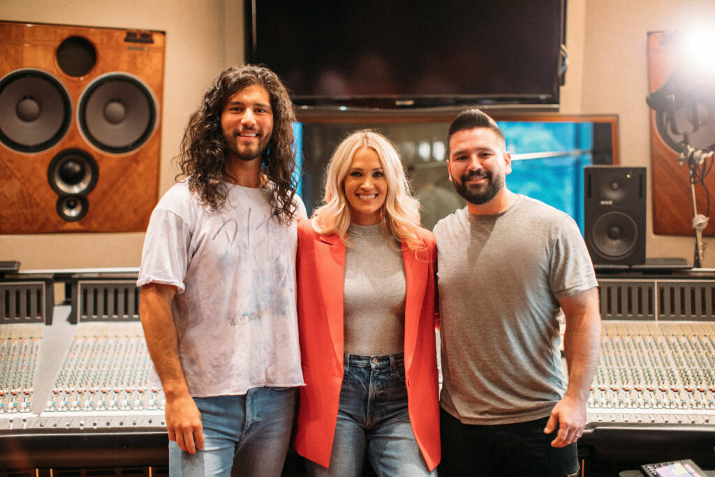 """Carrie Underwood & Dan + Shay Share """"Only Us"""" From Dear Evan Hansen"""